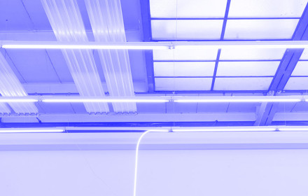 Alicja-Kwade-I-heavy-light-(1)-I-Johann-König-I-König-Galerie-I-Studio-Violet-I-artwork-production_blue