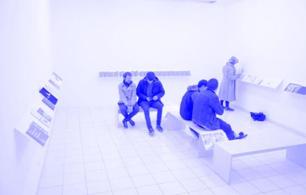 Claudia de la Torre I Small Comfort I Valence I art3 I Viola Eickmeier I Studio Violet_blue