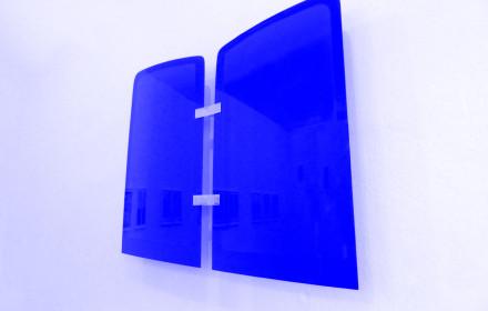 Olaf-Nicolai_Autoglas_Berlin_2017_StudioViolet_VW_blue